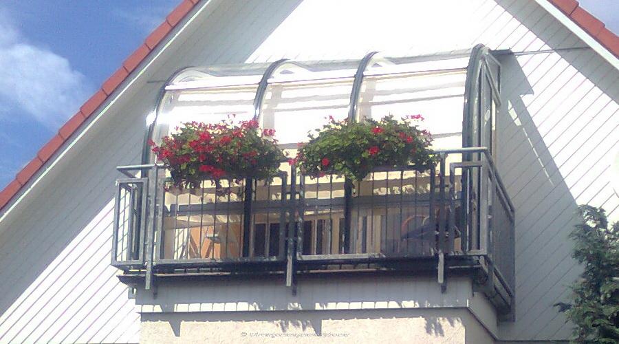 auf Balkon